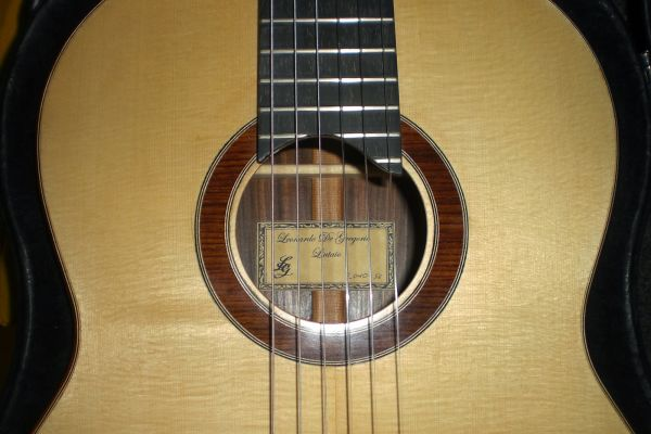 chitarra-abete-0024F63CDF3-53D5-FBD7-8878-4AD4BE3FCB12.jpg