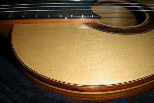 chitarra-abete-010BE3F82AA-D933-B506-BB80-CFAE5A4FD442.jpg